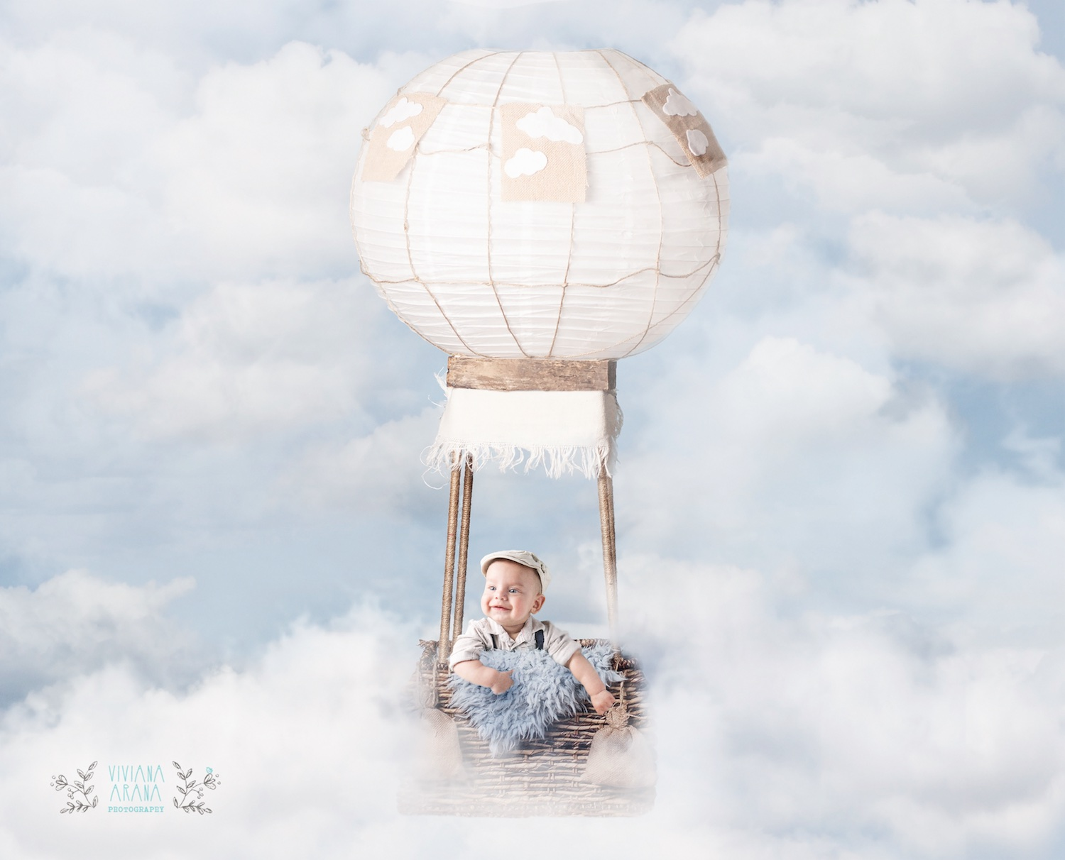 hot-air-balloon-blue-fluffy-clouds-download1