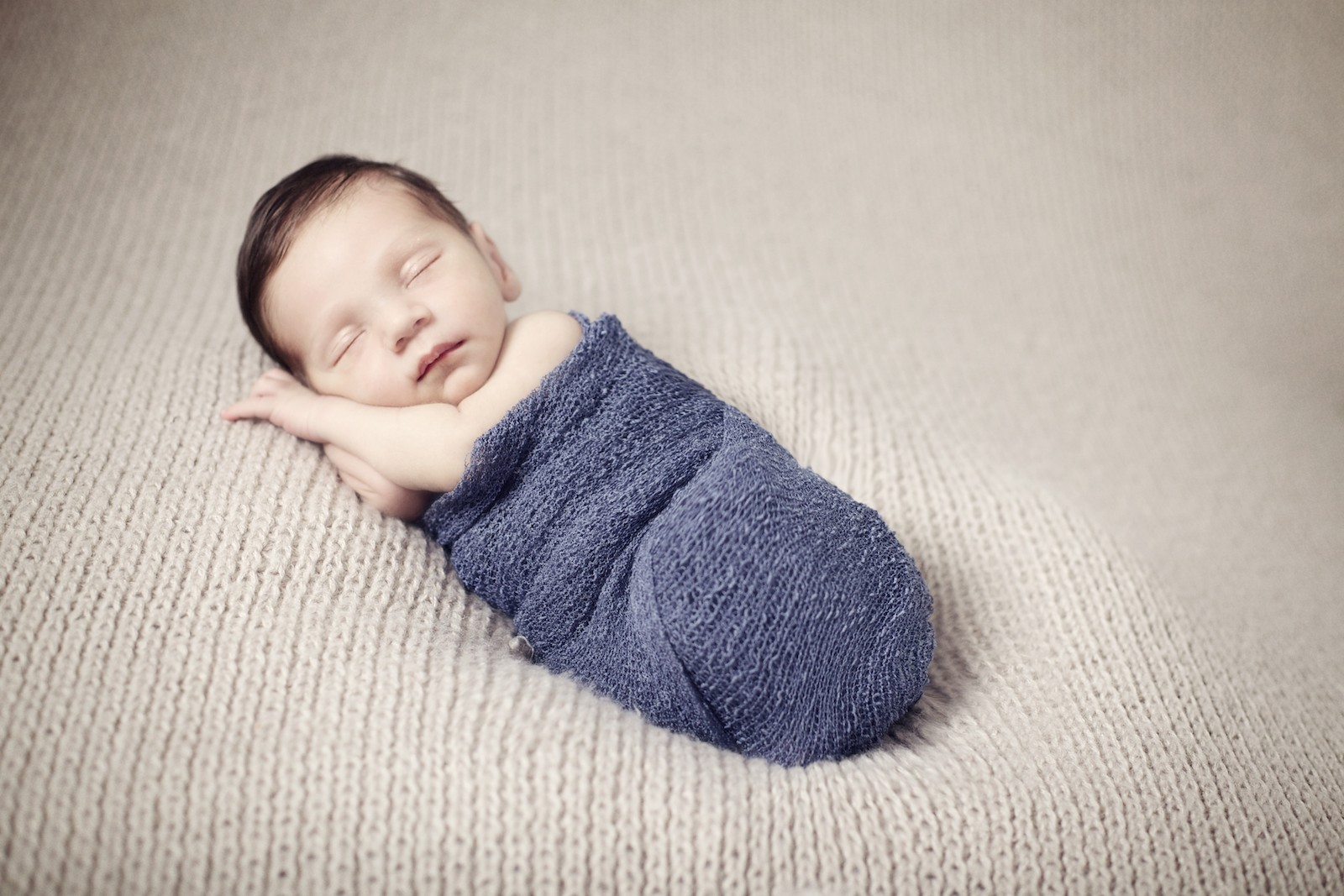 newborn_photographer_miami_boy_wrap
