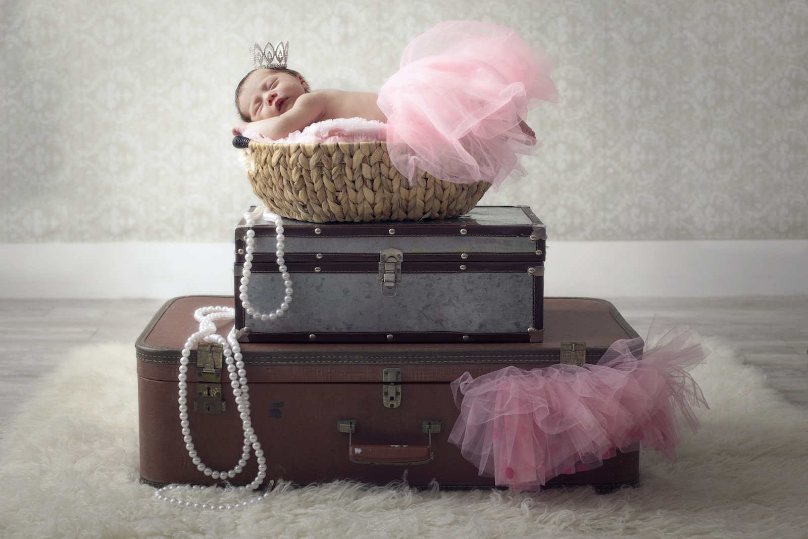 newborn_photographer_miami_girl_princess_crown