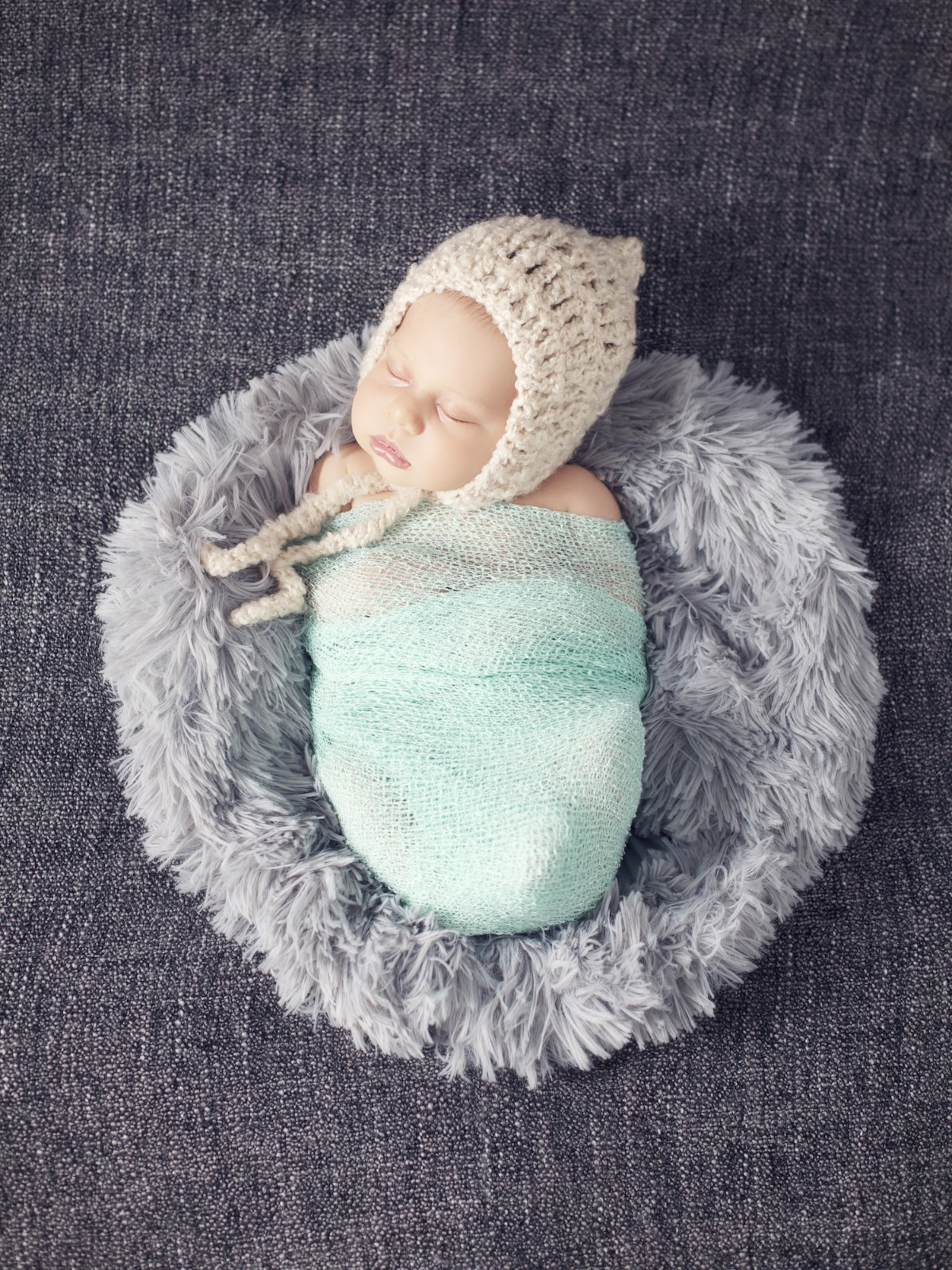 newborn_photographer_miami_little_boy_wraped_in_blue