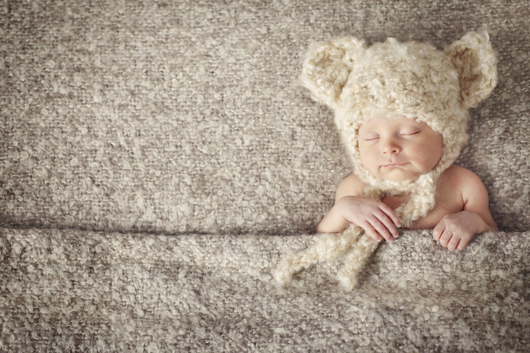 newborn_potographer_miami_sleeping_baby